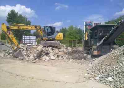 Demolice s recyklací základní škola Brno Čejkovická